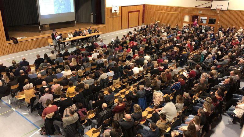 Plus de 400 citoyens ont pris par à l'assemblée primaire extraordinaire de Massongex.