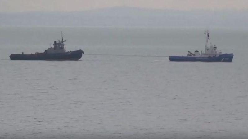 Ukraine: Moscou restitue trois navires militaires à Kiev
