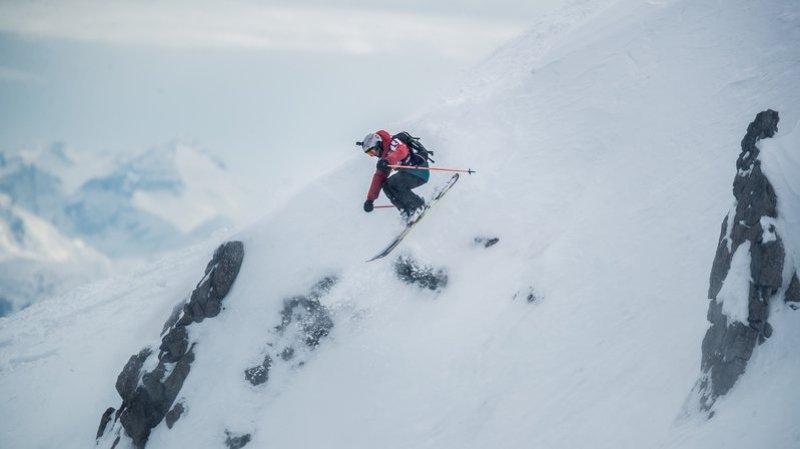 """Yann Rausis sera présent pour parler sécurité en marge de la projection de son film """"Skiing between"""" samedi soir au cinéma de Verbier"""