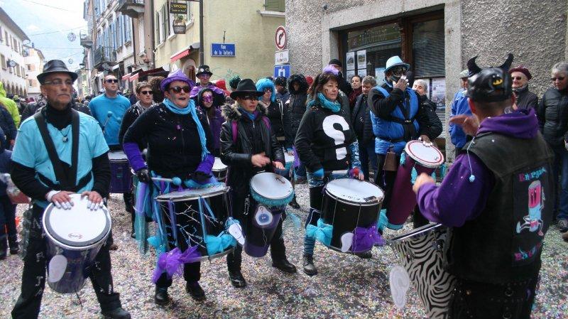 En 2020, les festivités carnavalesques, ici le cortège dans la rue de Martigny-Bourg, se dérouleront à partir du 20 février.
