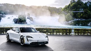Automobile: pour Porsche aussi, «le futur est électrique»