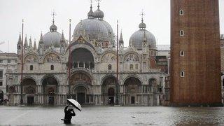 Grosses intempéries en Italie: jusqu'à 1m 40 d'eau sur la place St-Marc à Venise