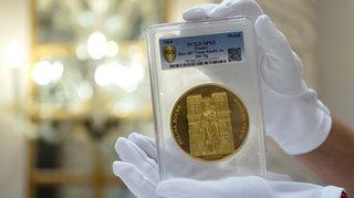 Enchères à Genève: une pièce en or, qui commémore Notre-Dame de Paris, vendue 170'000 francs