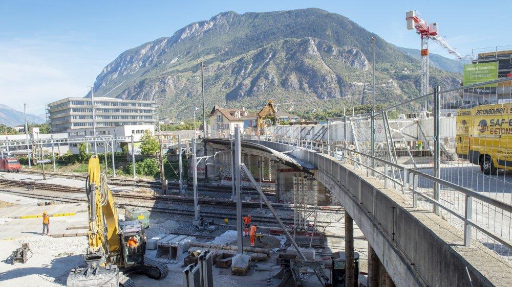 Le pont Beaulieu avait été démoli en 2018, afin de permettre le passage de trains à deux étages.