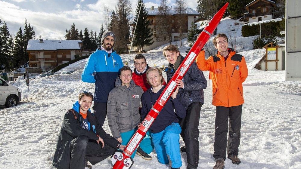 Mercredi, sept membres de l'EPFL Rocket Team ont testé les procédés d'atterrissage de leur fusée à Crans-Montana.