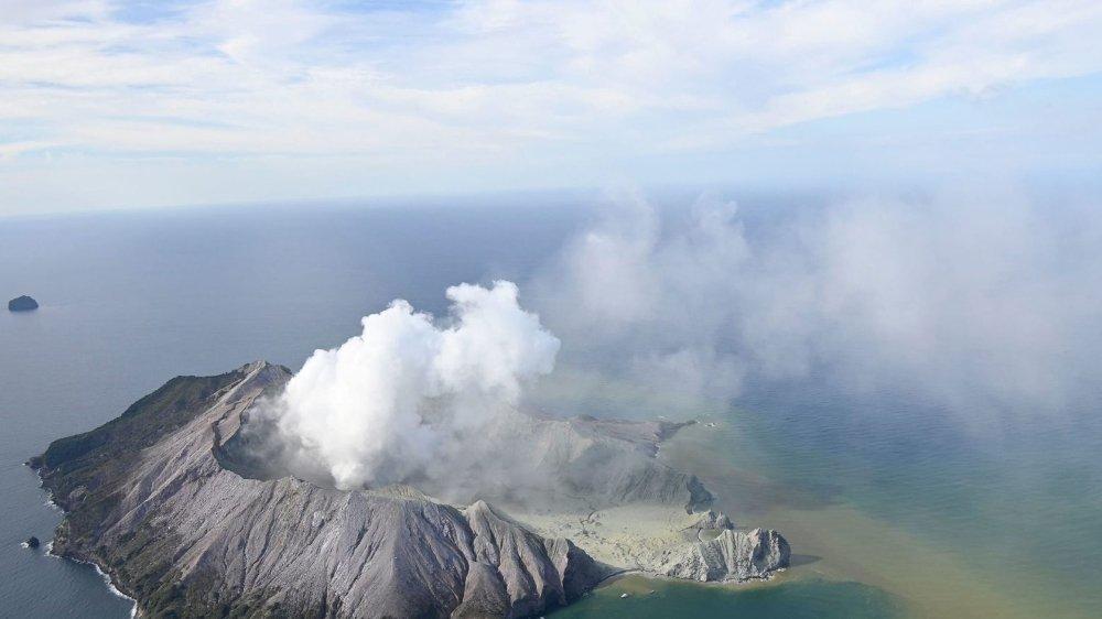 L'éruption de White Island tue plus de 20 touristes