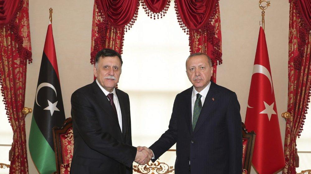 Les rivaux libyens peinent  à s'entendre sur un cessez-le-feu