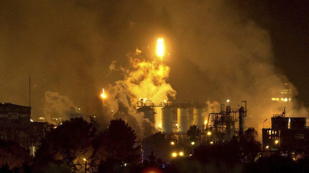 Explosions dans une usine pétrochimique
