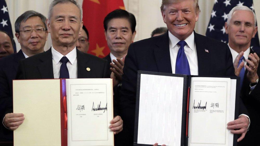 Hache de guerre  commerciale enterrée