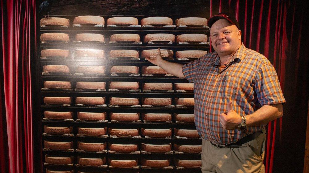 L'ambassadeur du raclette a découvert une exposition qu'il a volontiers qualifiée de «rudement bien faite».