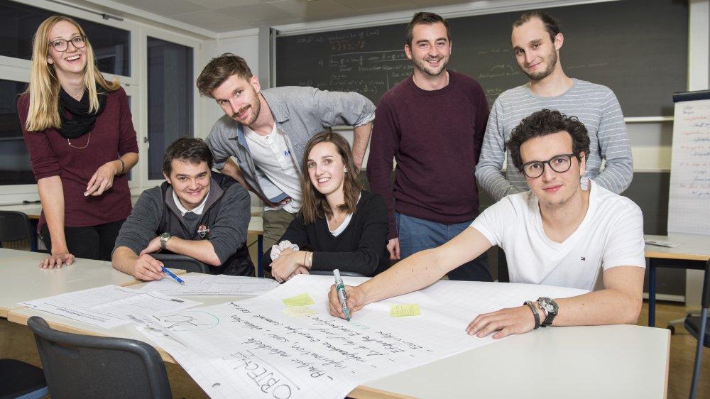 Après 24 heures de travail, l'équipe Vex++ a séduit le jury composé du président de la commune, du directeur d'ESR et d'autres experts dans le domaine de l'énergie. Leurs solutions seront présentées aux citoyens en début d'année.