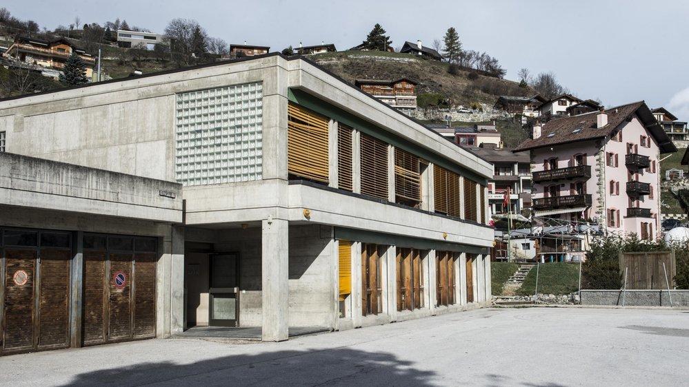 Sous le coup d'une opposition depuis 2015, la nouvelle école devrait être construite sur le même site que l'actuel centre scolaire.