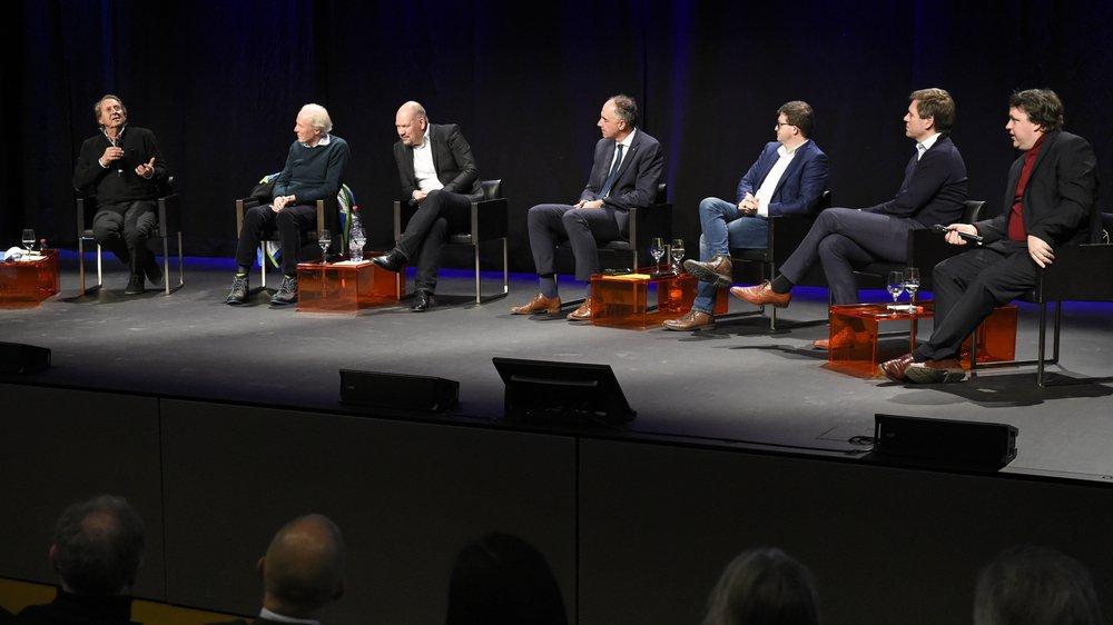 Le samedi 4 janvier 2020 au Châble, Daniel Borel, Michel Servoz, Jean-Albert Ferrez, Christophe Darbellay, Sébastien Marcel, Bertrand Bodson et Stuart Armstrong ont disserté sur les défis de l'intelligence artificielle.