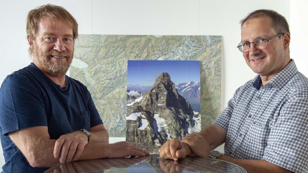 Raphaël Mayoraz, géologue cantonal, et Emmanuel Reynard, géographe et directeur du Centre interdisciplinaire de recherche sur la montagne de l'Université de Lausanne.