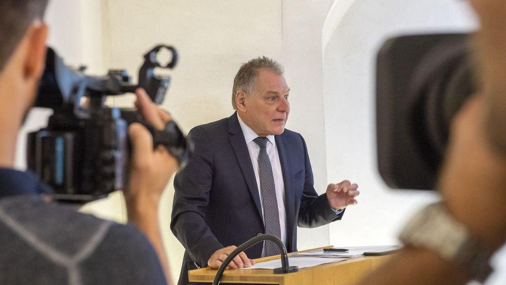 La semaine s'annonce difficile pour Jacques Melly devant le Grand Conseil.
