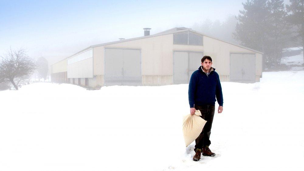 Joseph (Damien Bonnard), un agriculteur solitaire et tourmenté…