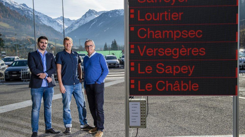 David Stocco et François Dirren de la société Nascatech ont présenté les bornes Quick Pick au Verbier Mobility Investment Forum. Un projet soutenu par Vincent Michellod (à droite), conseiller communal chargé de la mobilité.