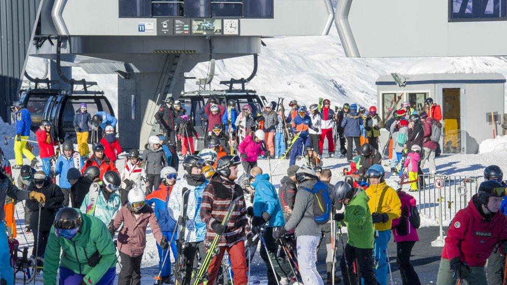 Les stations valaisannes font le plein durant les vacances, comme ici à Veysonnaz, le lundi 30 décembre.