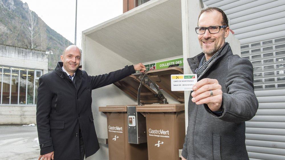 Daniel Baillifard (à gauche) et Bertrand Yerly ont signé un partenariat pour mieux valoriser les déchets alimentaires.