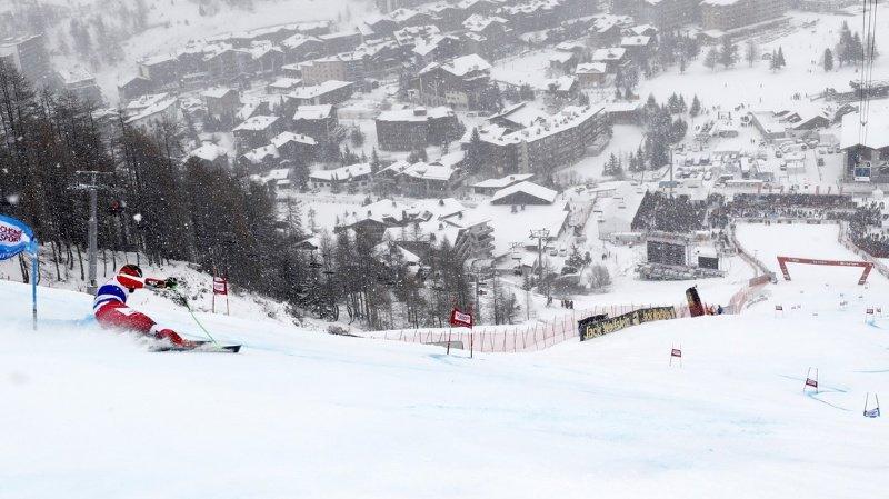 Ski alpin: à Val d'Isère, la météo pousse les organisateurs à inverser le programme des courses