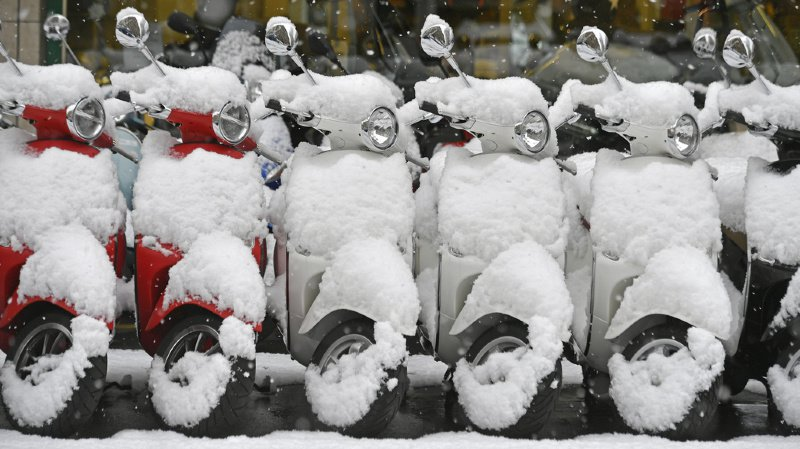 Mobilité: les ventes de scooters en perte de vitesse face au succès du vélo électrique