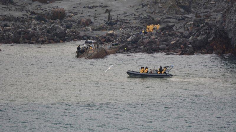 Nouvelle-Zélande: la police suspend les recherches des victimes de l'éruption