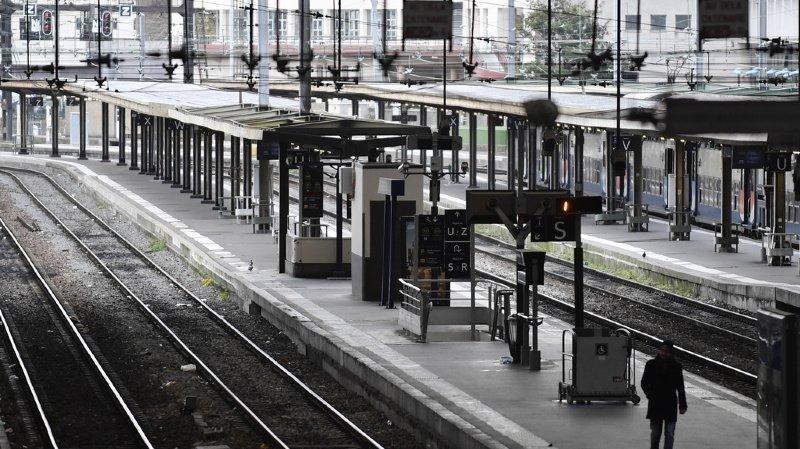 France: la grève des transports publics ne s'arrêtera pas pour Noël