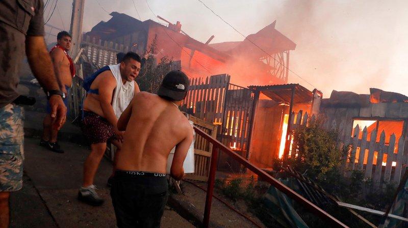 Chili: près de 250 maisons ont été détruites par un incendie à Valparaíso