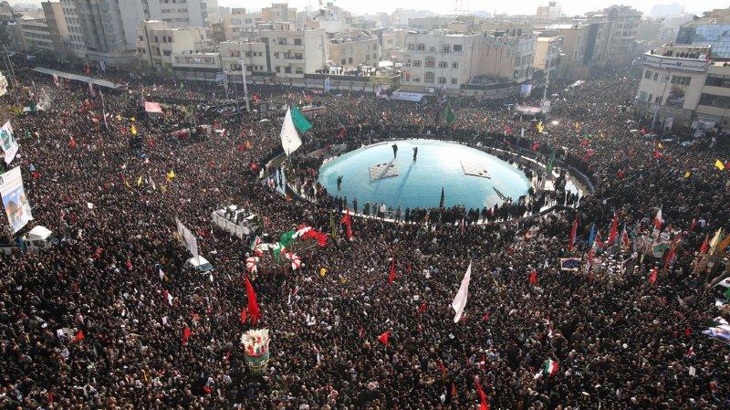 Iran: une foule immense appelle à venger la mort du général Soleimani