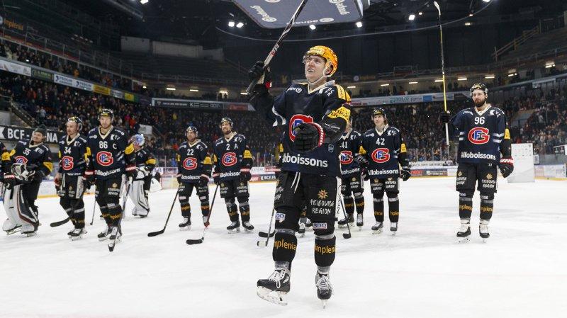 La joie du top scorer fribourgeois Killian Mottet à la patinoire de la BCF Arena à Fribourg.