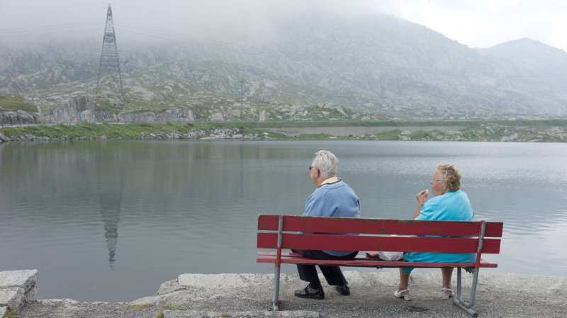 Pour compenser la réduction de la rente, les personnes qui partent en retraite durant les cinq premières années suivant l'entrée en vigueur toucheront un supplément de 200 francs par mois. (illustration)