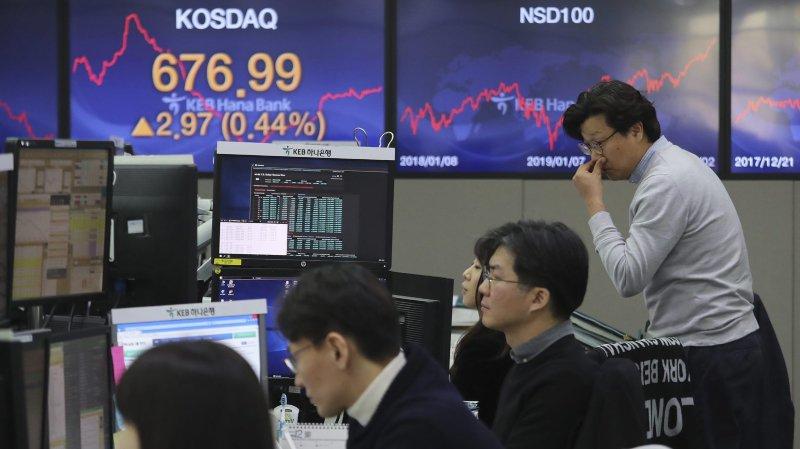 Le pétrole flambe,  les bourses se crispent