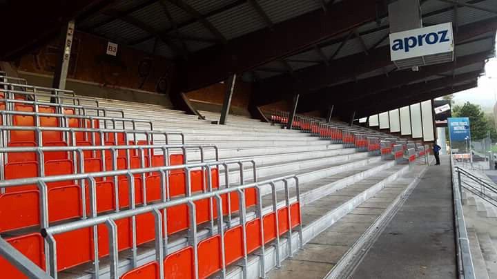 Le secteur central du gradin nord du stade de Tourbillon devrait demeurer inoccupé durant les trente premières minutes du match contre Neuchâtel Xamax.