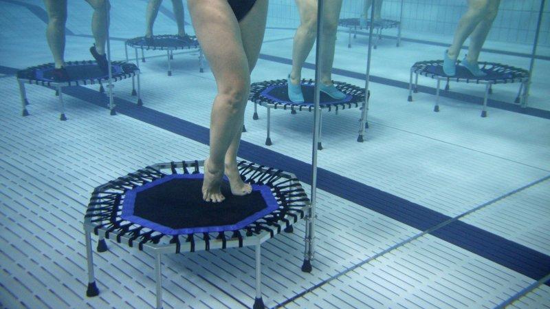 Pas besoin de savoir nager pour pratiquer l'aquatrampoline.