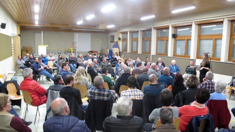 Les citoyens d'Isérables réservés face au projet de fusion