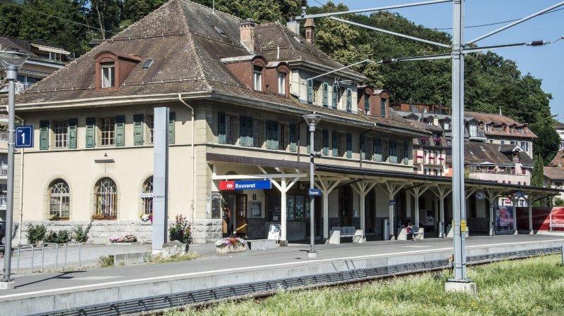 Partir du Bouveret par le rail pour aller à Villeneuve sans passer par Saint-Maurice, ce n'est pas possible actuellement.