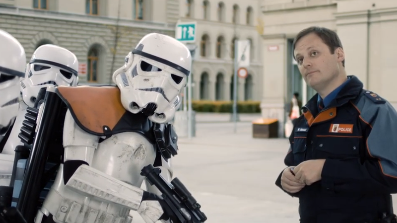 Être stormtrooper ne dispense personne de respecter les règles de la circulation.