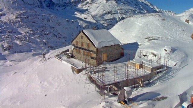 La situation du chantier de transformation-rénovation de la cabane de Chanrion à la fin du mois de novembre 2019.
