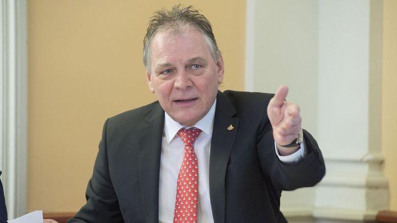 Le département de Jacques Melly réorganise son très discuté service juridique