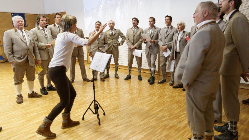 Ce vendredi, à Orsières, la chorale des guides du Bas-Valais a animé la cérémonie d'inscription de l'alpinisme au patrimoine culturel immatériel de l'Unesco.