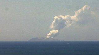 Nouvelle-Zélande: éruption d'un volcan sur une île touristique, un mort et des disparus