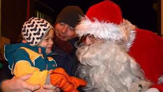 Valais: à la rencontre du père Noël, en famille