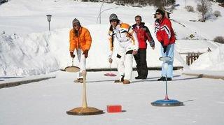 Curl'charlette, eisstock ou curling? A vous de choisir à Saint-Luc, Zinal, Thyon ou Crans-Montana