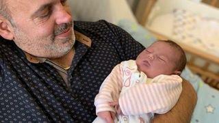 Léonie, ce bébé de Noël venu au monde dans un hôtel valaisan