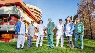40 ans à être les murs porteurs de l'hôpital de Sion: ces collaborateurs fidèles au poste depuis le début
