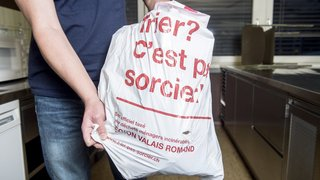Monthey: taxe au sac payée 1 fois et demie pour un déménagement en cours d'année