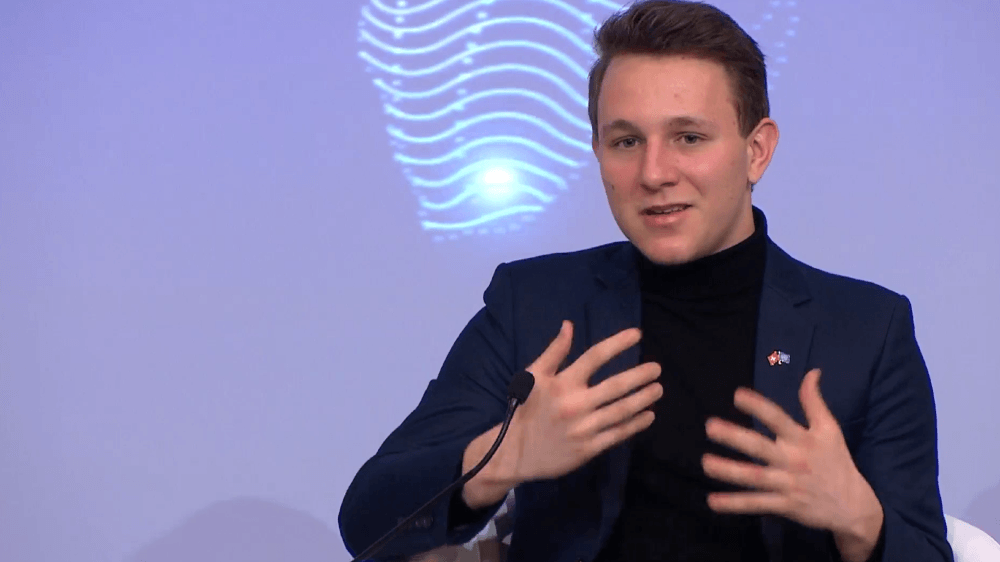 Le Valaisan Maxime Crettex a échangé sur le pouvoir de la jeunesse. La table ronde comptait des activistes dont les causes ont fait le tour du globe.
