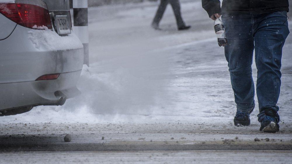 Climat: l'élu vert Christophe Clivaz veut lier la taxe CO2 à l'accès aux transports publics
