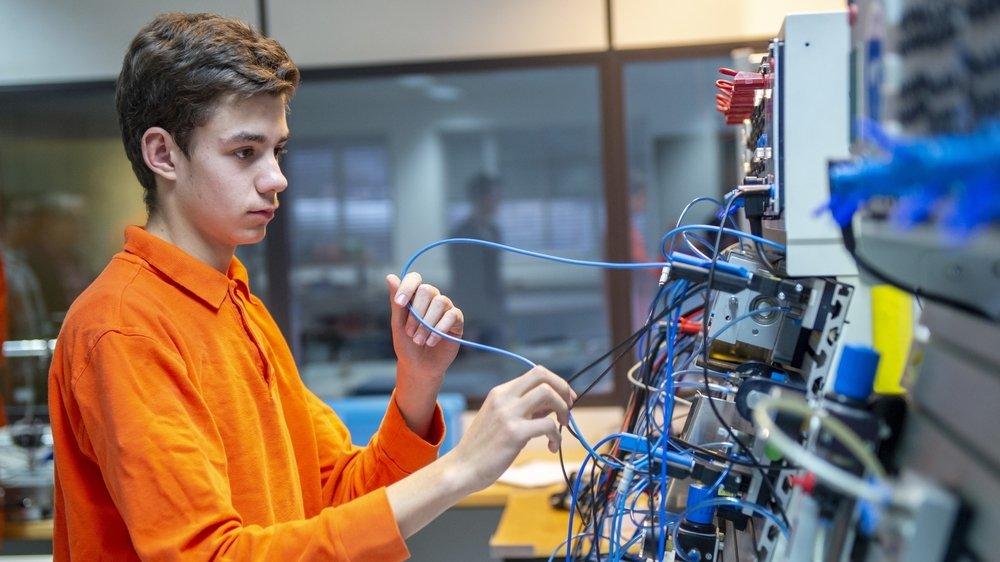 Le Centre de formation en technologie industrielle de Chippis accueille des apprentis automaticiens et polymécaniciens.