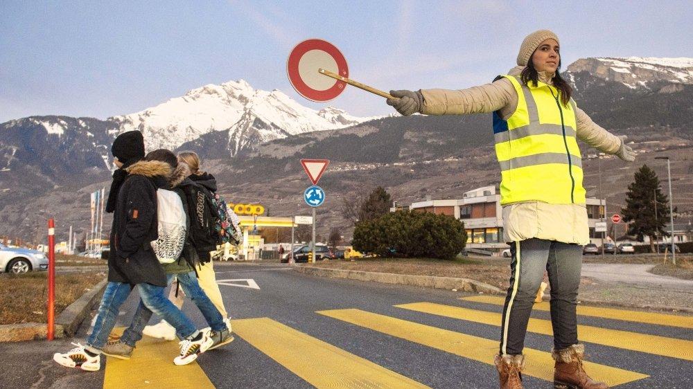 La traversée de la route cantonale T9 ne représente plus un danger pour les écoliers contheysans.